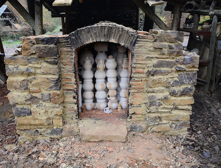 http://poteriedesgrandsbois.com/files/gimgs/th-58_Four-médiéval-Guédelon-06.jpg