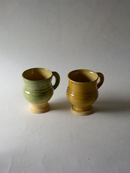http://poteriedesgrandsbois.com/files/gimgs/th-30_GDT003-03-poterie-médiévale-gobelet-tasse_v2.jpg