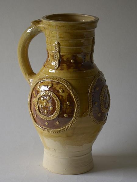 http://poteriedesgrandsbois.com/files/gimgs/th-31_PCH022-Pichet-médiéval-Rouen-XIIIe-s.jpg