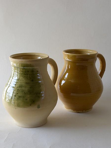 http://poteriedesgrandsbois.com/files/gimgs/th-31_PCH023-04-Pichet-XVe-siècle-poterie-moyen-age.jpg